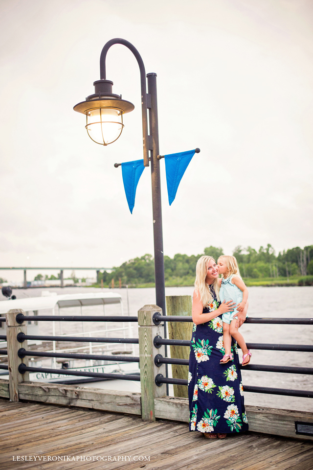 Wilmington NC Family Photographer, wilmington nc family photos, family photography, mommy and me, mini sessions, wilmington nc mini sessions, wilmington nc downtown